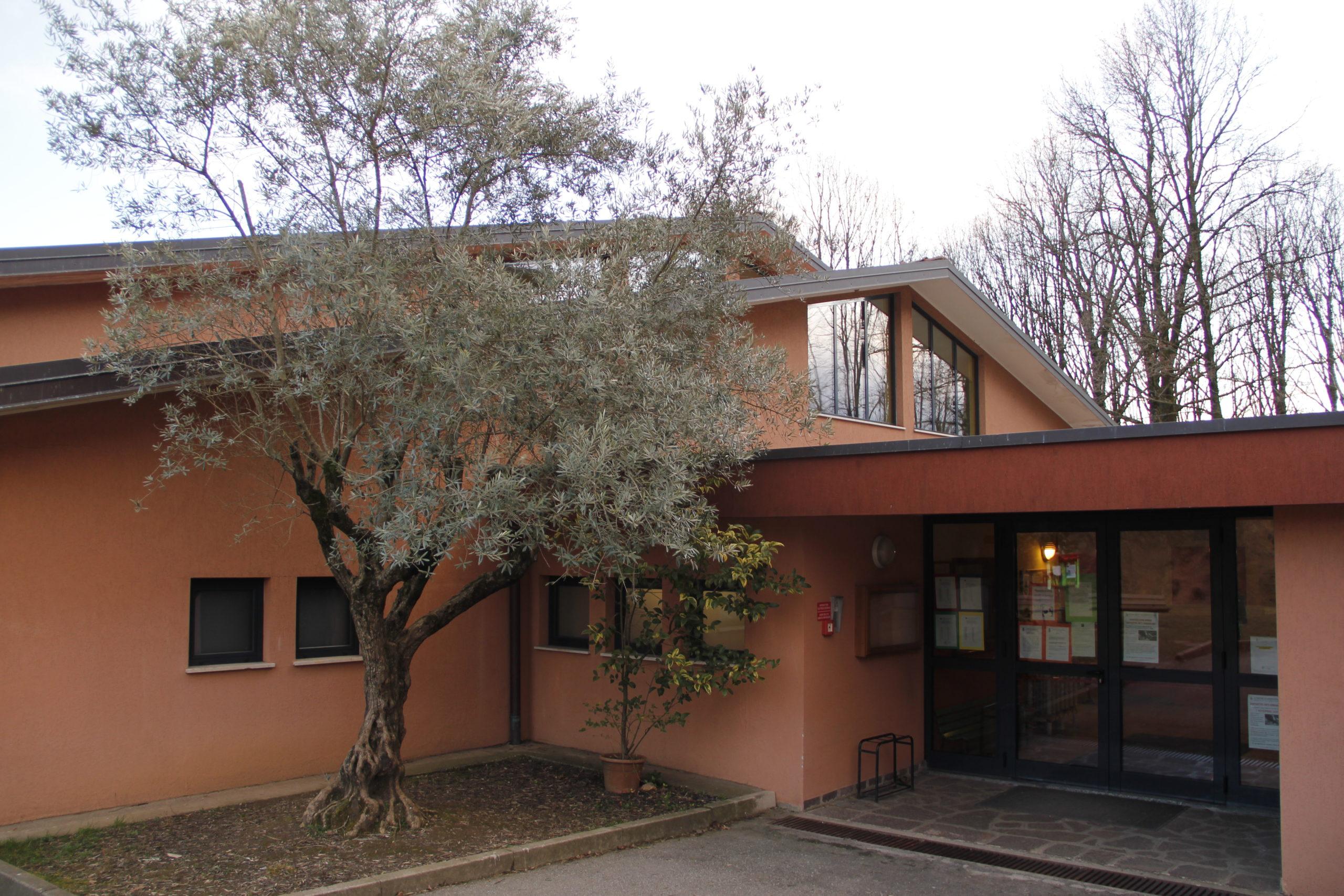 Entrata della scuola dell'infanzia di Montevecchia